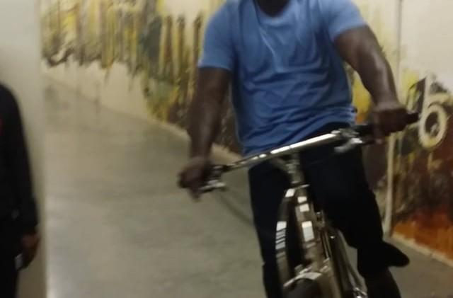 Shaq rides his DirtySixer