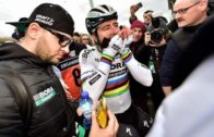 Sagan fixing his handlebars – Paris-Roubaix 2018